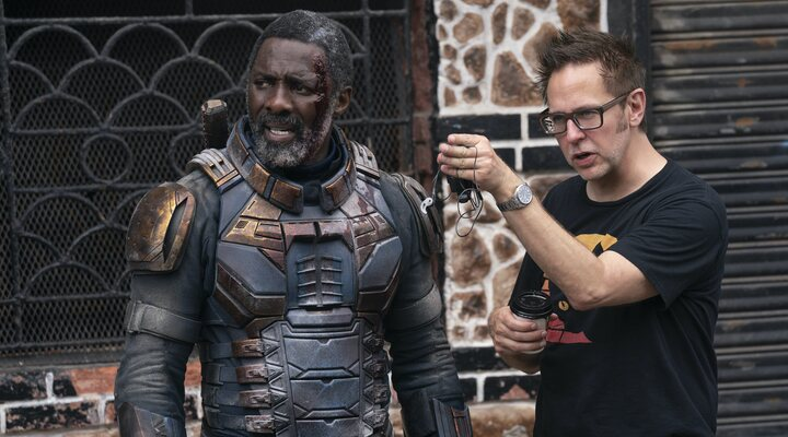 James Gunn en el rodaje de 'El escuadrón Suicida' con Idris Elba