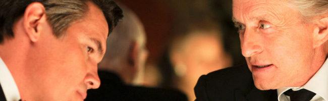 Josh Brolin y Michael Douglas en Wall Street 2