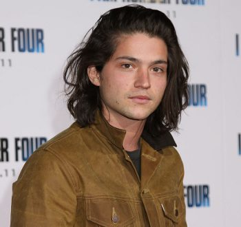 Thomas McDonell será el joven Johnny Depp en 'Dark Shadows'