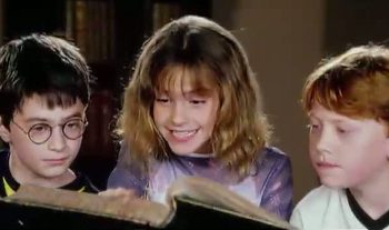 Daniel Raddcliffe, Emma Watson y Rupert Grint en Harry Potter y la piedra filosofal