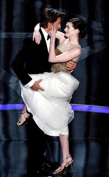 Hugh Jackman y Anne Hathaway en los Oscar