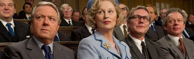 Thatcher, rodeada de parlamentarios en 'La dama de hierro'