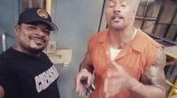 F. Gary Gray y Dwayne Johnson en el rodaje de 'Fast & Furious 8'