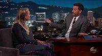Kaley Cuoco habla de la renovación de 'The Big Bang Theory' en el programa de Jimmy Kimmel