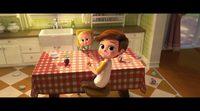 Clip 'El bebé jefazo': Alimentando al bebé