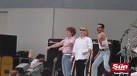 Rami Malek interpretando a Freddie Mercury en el Live Aid