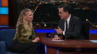 Jennifer Lawrence se emborracha en el programa de Stephen Colbert