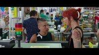 Clip #2 'Como un pez fuera del agua': Las gemelas roban en el supermercado