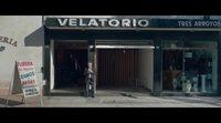 https://www.ecartelera.com/videos/trailer-yo-mi-mujer-y-mi-mujer-muerta/