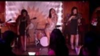 https://www.ecartelera.com/videos/trailer-sparkle/