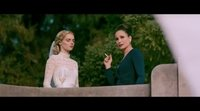 https://www.ecartelera.com/videos/clip-espanol-noche-de-bodas-manten-la-cabeza-alta/