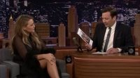 Blake Lively habla con Jimmy Fallon en 'The Tonight Show' sobre su maquillaje en 'The Rhythm Section'