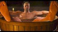 Henry Cavill habla de la escena de la bañera en 'The Witcher'