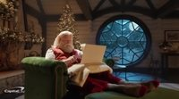 Anuncio de Navidad de Capital One con John Travolta y Samuel L. Jackson