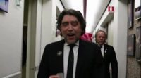 https://www.ecartelera.com/videos/trailer-serrat-sabina-el-simbolo-y-el-cuate/