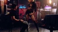 Rebeca Romijn baila muy sexy en 'Femme Fatale'