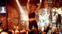 Piper Perabo canta 'One way or another' en 'El bar Coyote'