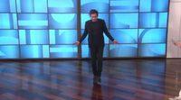 Jake Gyllenhaal demuestra su físico en el show de Ellen