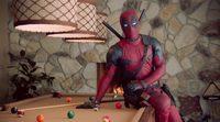'Deadpool' enseña a las mujeres a tocarse
